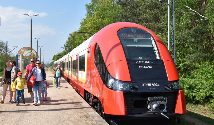 PKP PLK wybiera wykonawcę naprawy linii z Wieliszewa do Zegrza