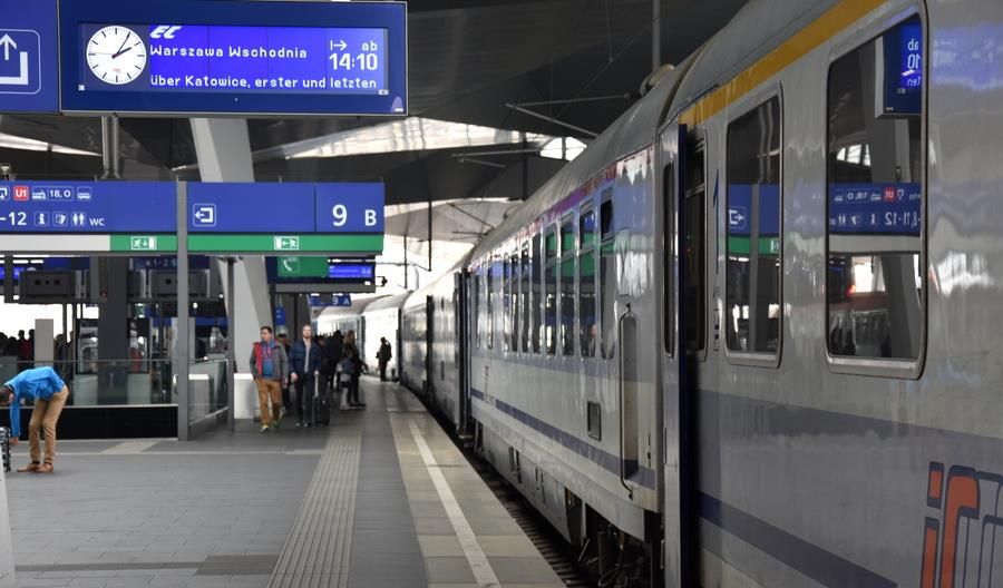 Kontrole sanitarne w pociągach międzynarodowych. Oświadczenie PKP Intercity