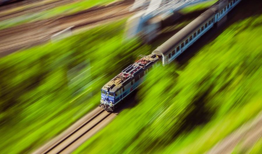 PKP Intercity przywraca część połączeń. Wracają przesyłki konduktorskie
