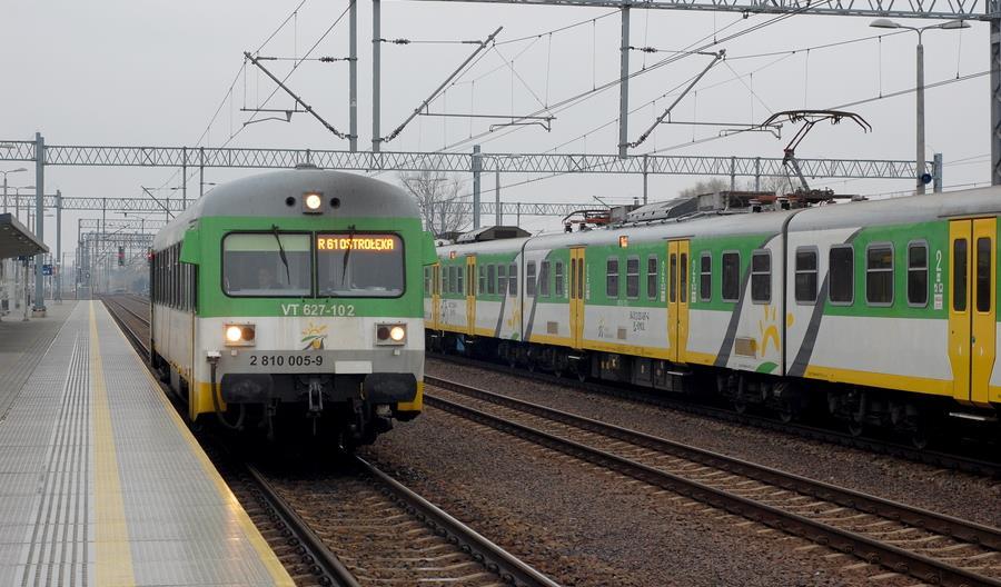Struzik: Inwestycje w linie do Chorzeli i Modlina będą fazowane. PLK: Nie było takich ustaleń [aktualizacja]