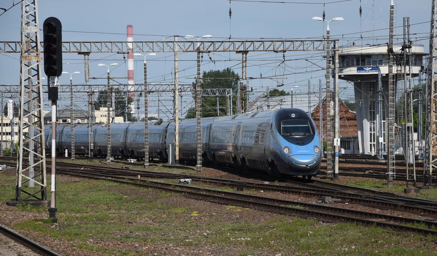 Letnia korekta rozkładu jazdy. Na wiele pociągów Intercity jeszcze nie kupisz biletu