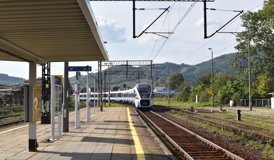 We wrześniu 2020 pociąg wybrało 25% mniej pasażerów niż rok wcześniej