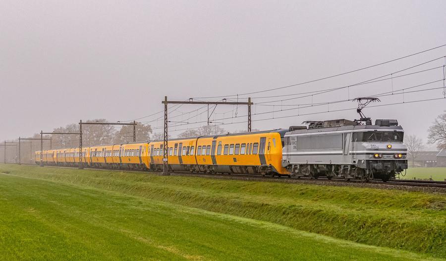 Kolejne DM90 jadą do Polski. Kiedy zabiorą na pokład pasażerów? [film]