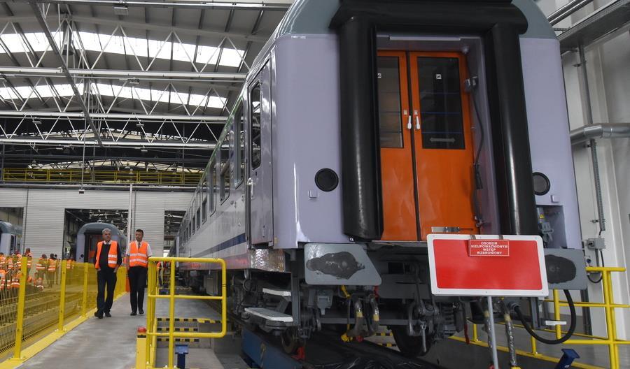 Remtrak przebuduje z wolnej ręki wagon pasażerski dla PLK