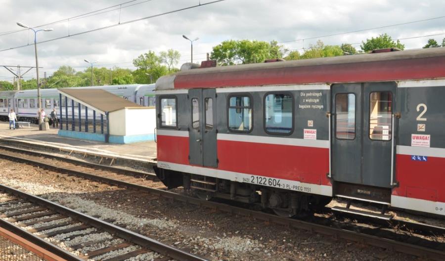 Brak skomunikowań zniechęca do kolei