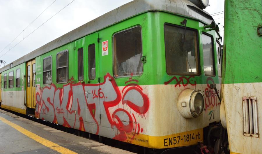 Koleje Mazowieckie wyślą EN57 do modernizacji po raz ostatni