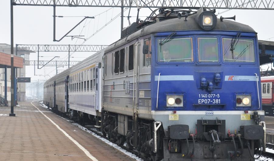 PKP Intercity rezygnuje z podnoszenia prędkości modernizowanych elektrowozów