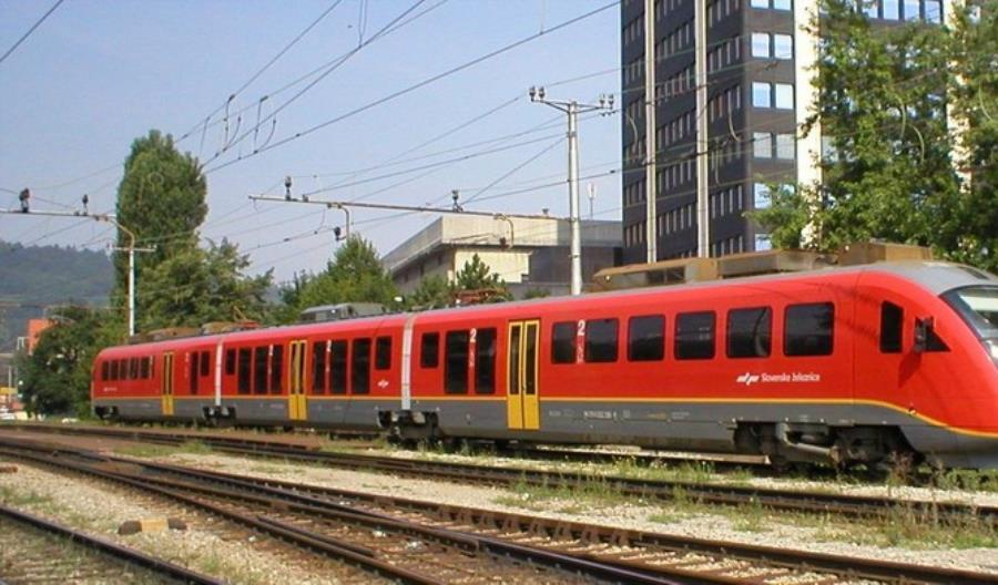 Koleje Słoweńskie zamawiają 25 pociągów. Pesa w gronie faworytów
