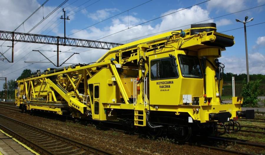 Oczyszczarka ZRK DOM przyspieszy prace na liniach kolejowych