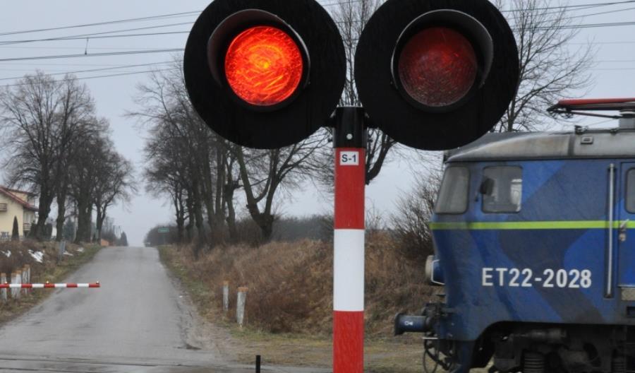 """PLK: """"Dróżnik z Piotrkowa wiedział o zbliżającym się pociągu"""""""