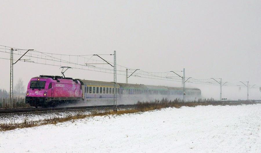 Kolejny dzień zimy na torach. Dziesiątki opóźnionych pociągów [aktualizacja]