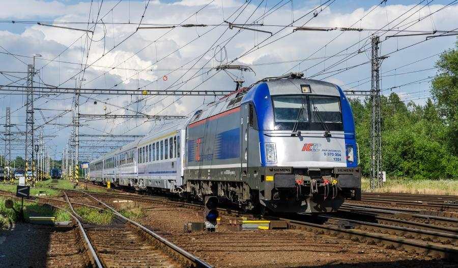 Rosną przewozy PKP Intercity. Wystarczająco?