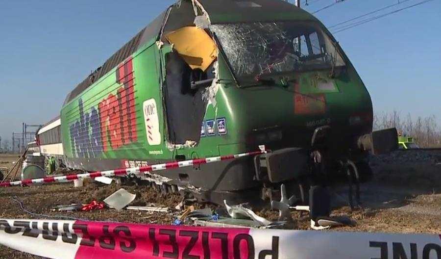 Kolizja dwóch pociągów wSzwajcarii. Są ranni