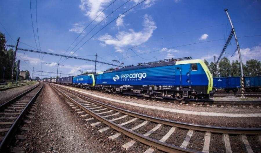 PKP Cargo pyta rynek o lokomotywy. Ma być full-service