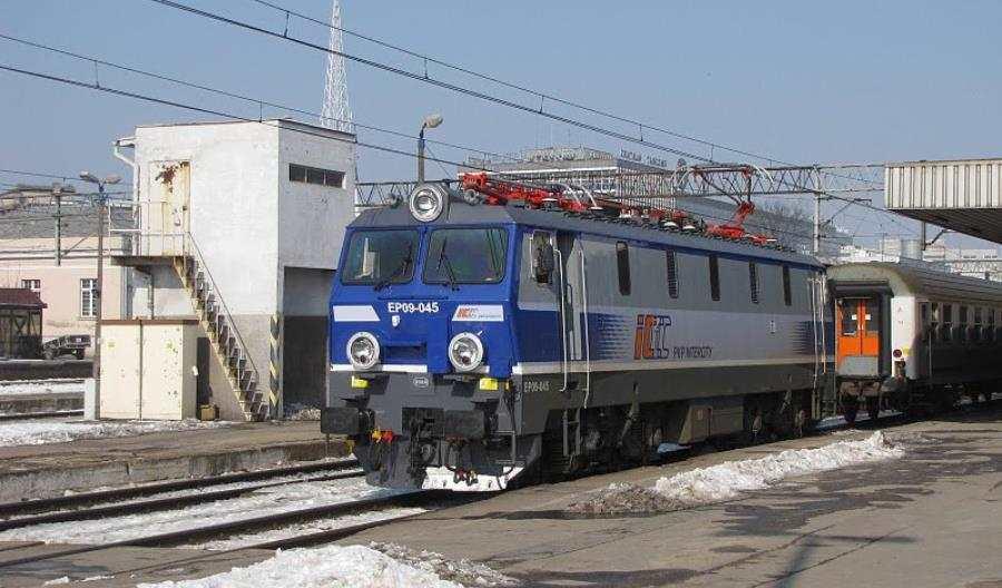 Zmiana turnusu i dodatkowe pociągi Intercity na ferie