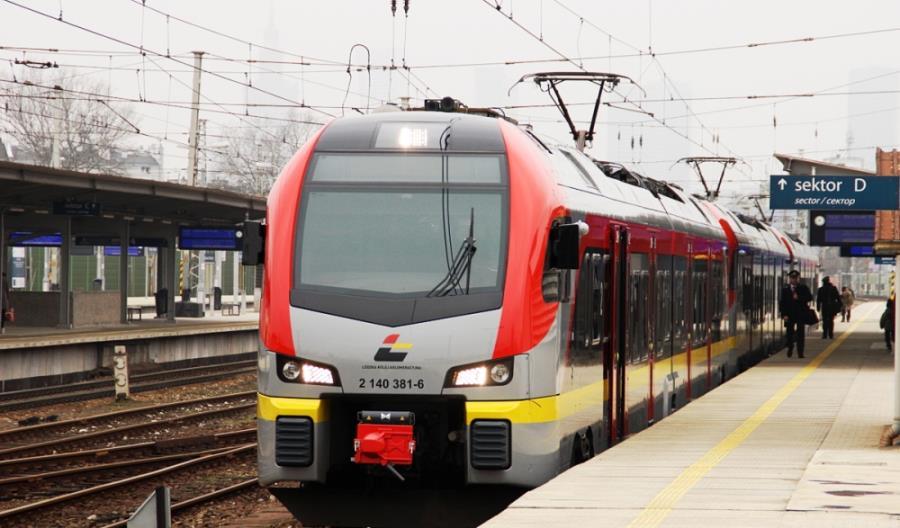 ŁKA: Piąta para pociągów do Warszawy