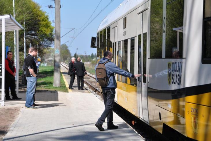Obiecujący początek miejskiej kolei we Wrocławiu [zdjęcia]