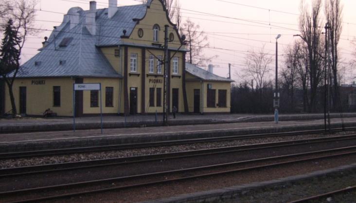 Warsztaty w Pionkach. Dworzec Pałacem Ślubów?