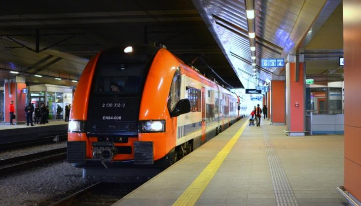PLK i Strabag nie wstrzymają ruchu kolejowego w Krakowie
