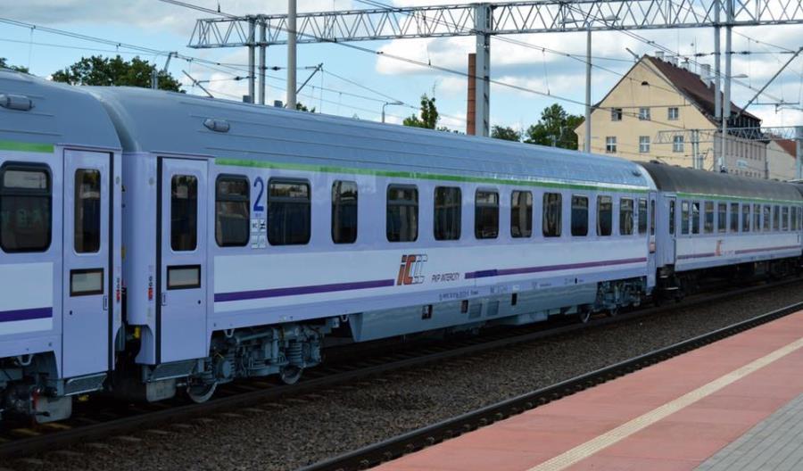 Pierwsze zmodernizowane wagony z Newagu już w PKP Intercity [zdjęcia]