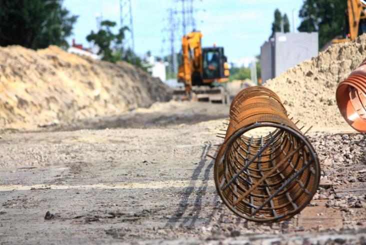 Warszawa: Rozebrane wiadukty na linii obwodowej. Na horyzoncie nowe perony [zdjęcia]