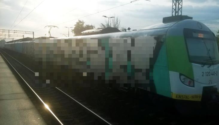 Wandale pomazali pociągi KM. 40 tys. złotych strat