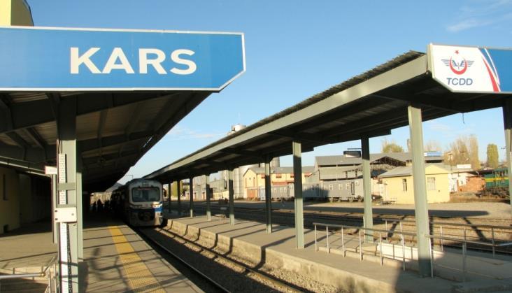 Ruszył pierwszy pociąg na tureckim odcinku linii Baku – Tbilisi – Kars