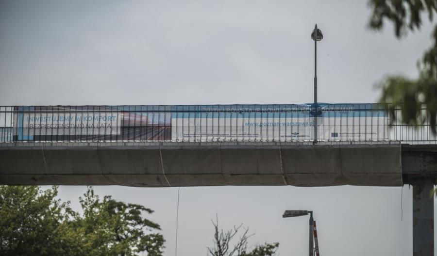 Dziesiątki kilometrów zdemontowanych szyn na E20 [zdjęcia]