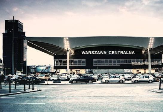 Warszawa Centralna ewakuowana, ogromne utrudnienia w stolicy
