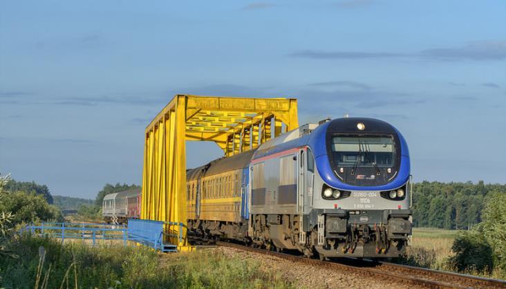 Rosną przewozy towarowe; pasażerskie bez efektu ŚDM