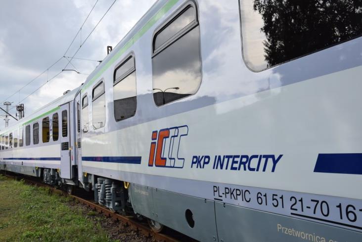 FPS przekazał pierwsze wagony 144A PKP Intercity [zdjęcia]