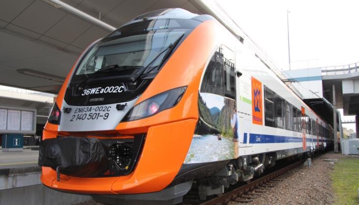 Wysyp autobusów zastępczych za pociągi Przewozów Regionalnych