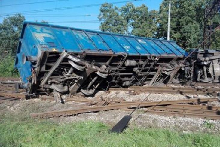 Lubelskie: Wykolejenie pociągu na stacji Stawy [zdjęcia] [aktualizacja]