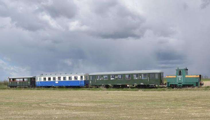 Kolej Rogowska: Duża frekwencja, brak pieniędzy na remont torów