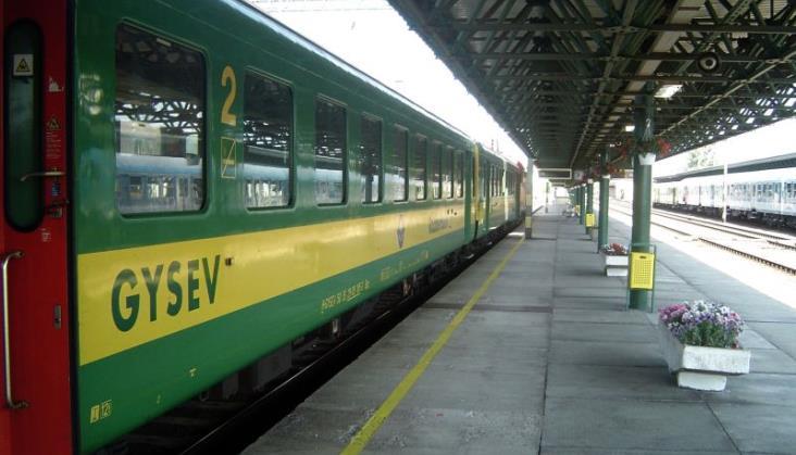 Węgierski przewoźnik GySEV będzie wyprzedawać tabor