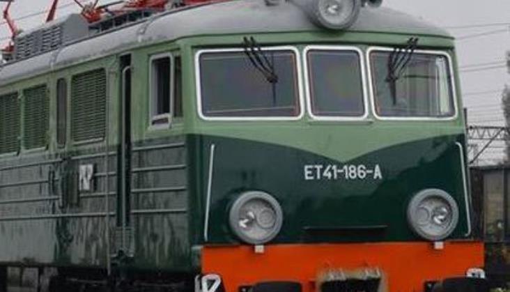 Ostrów Wlkp.: Lokomotywie ET41-186 przywrócono historyczne barwy