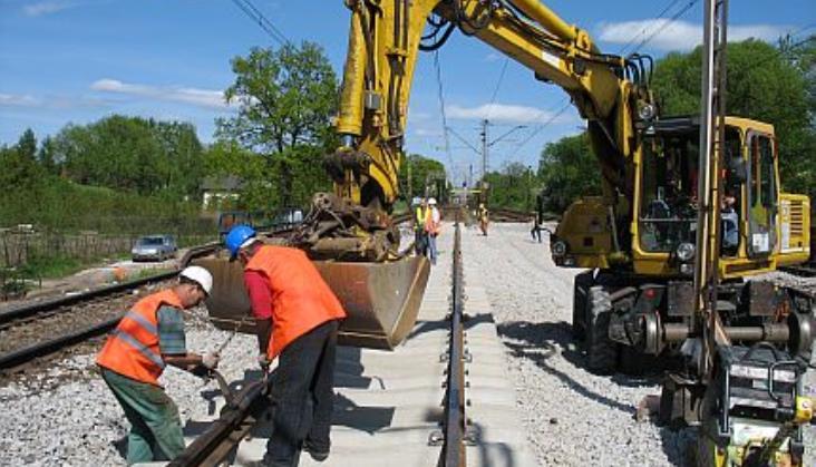 PLK zamawia prace na liniach 273 i 281