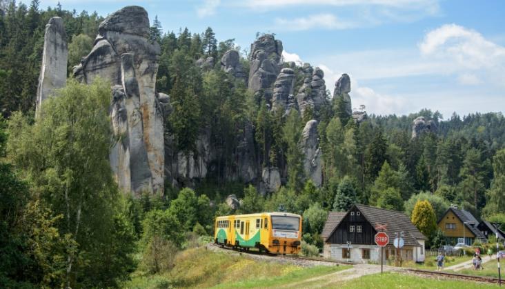 Koleje Dolnośląskie dojadą do Adrszpachu i Trutnova