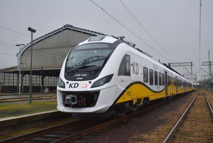Wszystkie pięcioczłonowe pociągi Kolei Dolnośląskich już w Legnicy