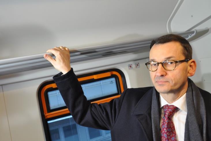 Morawiecki: Na wymianę całego taboru PR trzeba trochę poczekać