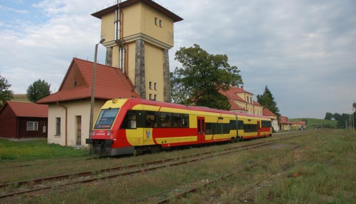W Bieszczady nie dojeżdża żaden pociąg, nie ma też autobusów zastępczych