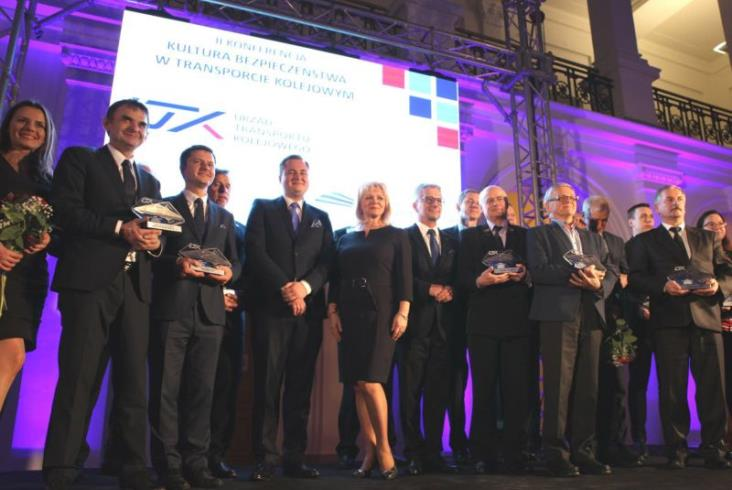 Nagrody UTK dla promujących bezpieczeństwo na kolei