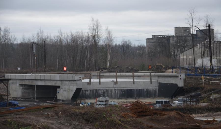 PLK: Prace modernizacyjne odcinka Jaworzno Szczakowa – Trzebinia nabierają tempa [zdjęcia]