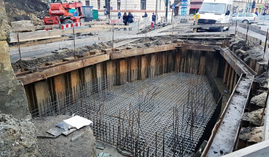 PLK rozbudowuje historyczny wiadukt w Krakowie