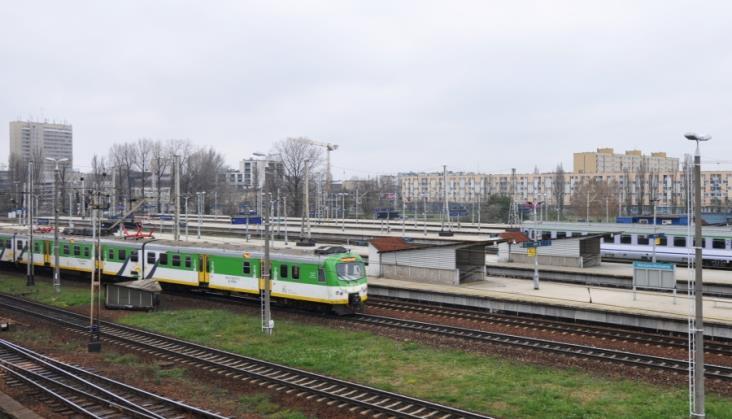"""Startuje projektowanie modernizacji warszawskiej linii średnicowej. """"To najtrudniejsza kolejowa inwestycja"""""""