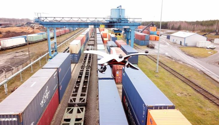 Drony z termowizją chronią pociągi PKP Cargo przed kradzieżami