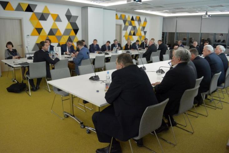 Komisja Infrastruktury obradowała w PKP Informatyce