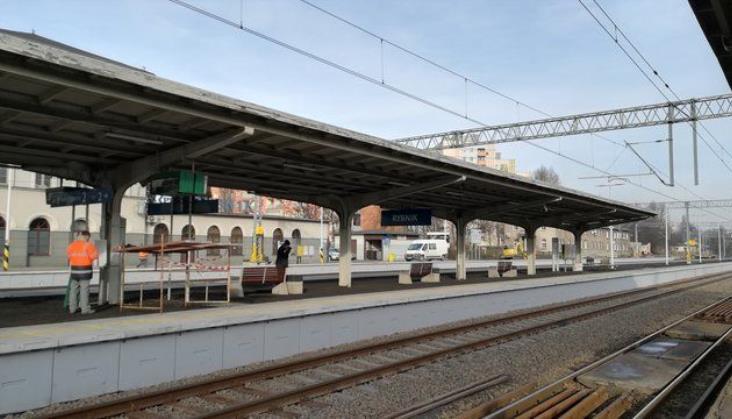 Trwają prace na stacjach Rybnik i Żory