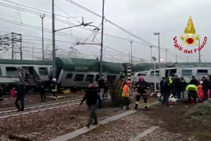Katastrofa kolejowa pod Mediolanem. Są ofiary śmiertelne