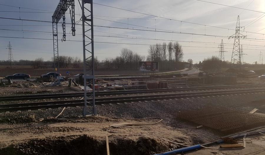 Przebudowa wiaduktu w Brwinowie, kolejne prace na linii grodziskiej